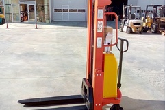 LIFTEX 1525SE Stacker semi-electric,