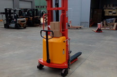 LIFTEX 1030SE Stacker semi-electric,